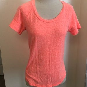 Gap scoop neck short sleeve baseball-style tee